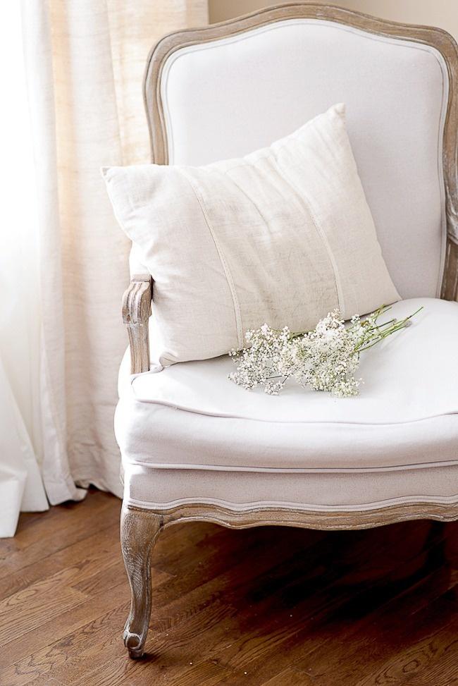 Beautiful White Chair!  LOVE IT!