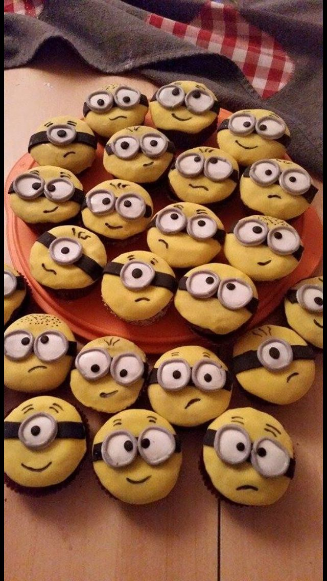 backgaudi minions muffins geburtstag all about birthday pinterest muffins backen und oder. Black Bedroom Furniture Sets. Home Design Ideas
