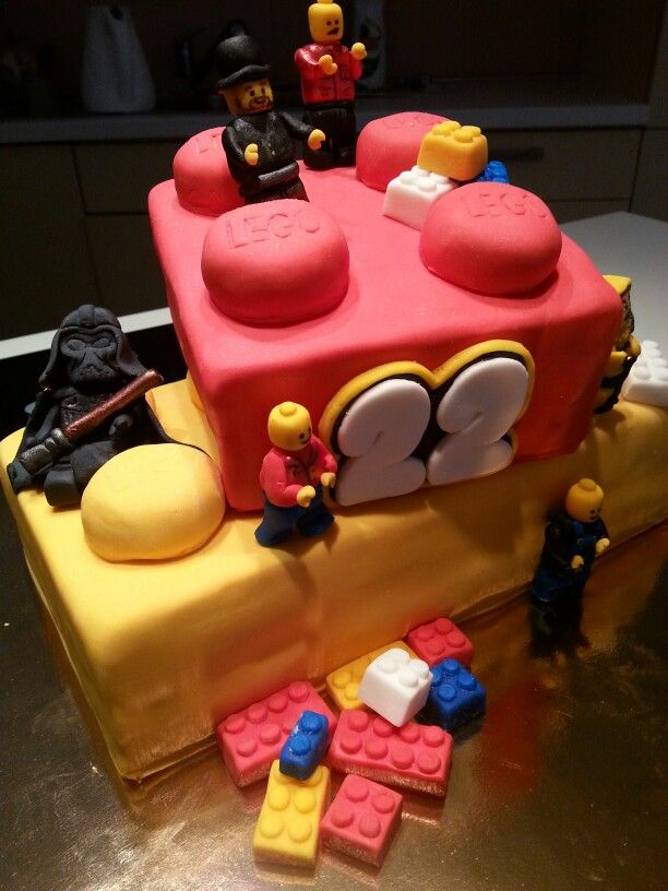 Lego birthday cake for my boyfriend with lego darth vader figure#Czech#miss.enemy