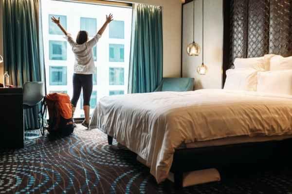 Cosa non devi toccare in una camera d'albergo: gli oggetti più sporchi Contrarre una malattia in un hotel è più facile di quanto si possa immaginare. Le s oggetti sporchi hotel