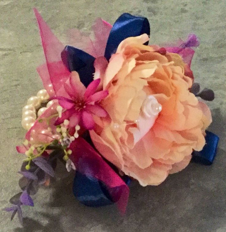 Excited to share the latest addition to my #etsy shop: Wrist corsage