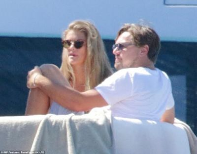 Leonardo DiCaprio reunites with his model girlfriend Nina Agdal on a luxury yacht in Ibiza (photos)