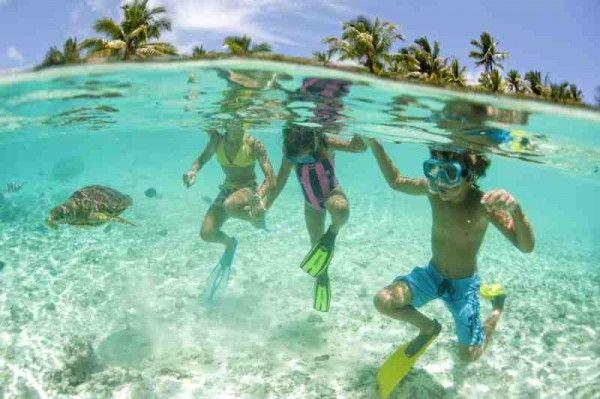 Sport da fare al mare? Se non sei ancora andato ecco un'idea: lo #snorkeling Sai cos'è? Leggi qui http://www.mondofantastico.com/sport-al-mare-guardare-pesci-lo-snorkeling/ #bambini #sport #mare #divertimento #mascheraeboccaglio