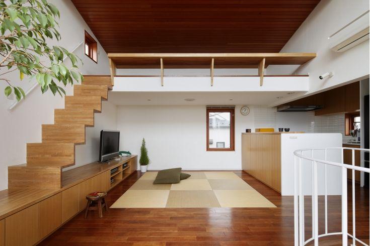 専門家:長浜信幸が手掛けた、畳敷きのダイニング(眺めの良いルーフテラスの家)の詳細ページ。新築戸建、リフォーム、リノベーションの事例多数、SUVACO(スバコ)