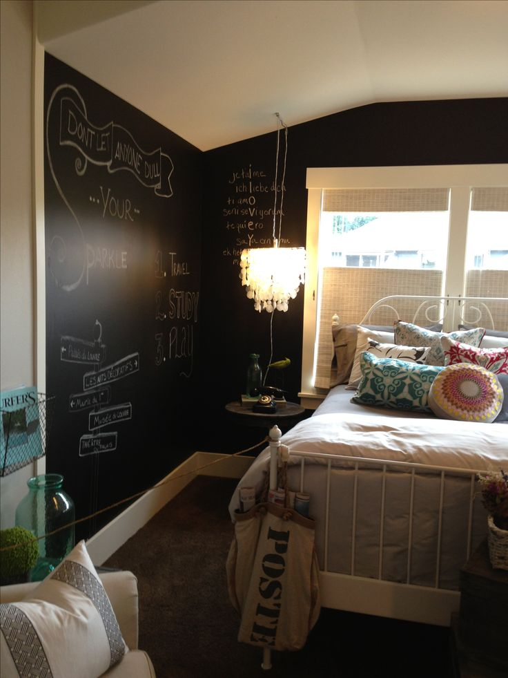 Paint One Wall Or All Of Them With Chalkboard Paint Fun Idea For A Teenager 39 S Bedroom Teen