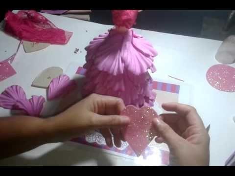 1 Parte: Do video ensinado a fazer a boneca no pote.