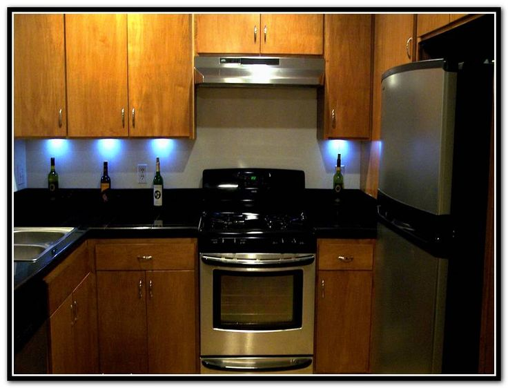 best 25 under cabinet lighting ideas on pinterest cabinet lighting under counter lighting. Black Bedroom Furniture Sets. Home Design Ideas