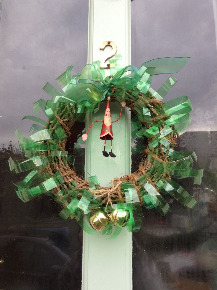 Christmas wreath with recycled plastic bottle strips for Christmas decorations from recycled plastic bottles