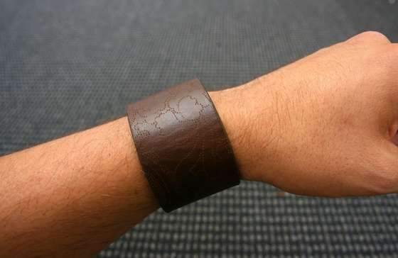 Oooo i want to make my own leather wrist band! Anybody got any extra leather belts they dont want? haha