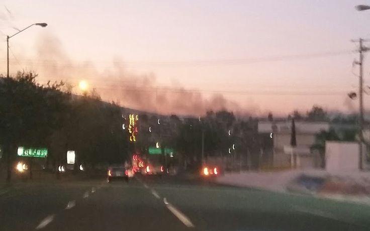 La tarde-noche del jueves, se observaba una inmensa columna de humo y se percibían desagradables olores en gran parte del norte de Morelia (FOTO: ALEJANDRA ORTEGA)