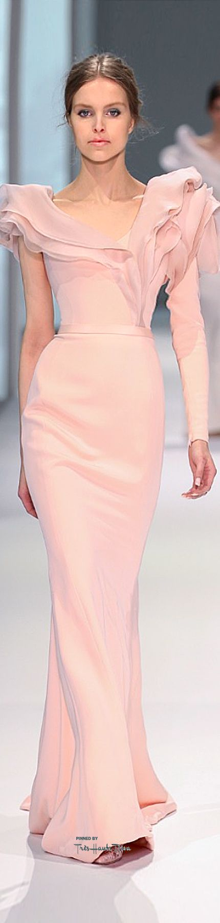 A soft beauty. http://www.thevintagelighthouse.com/ Ralph & Russo Spring 2015 Couture