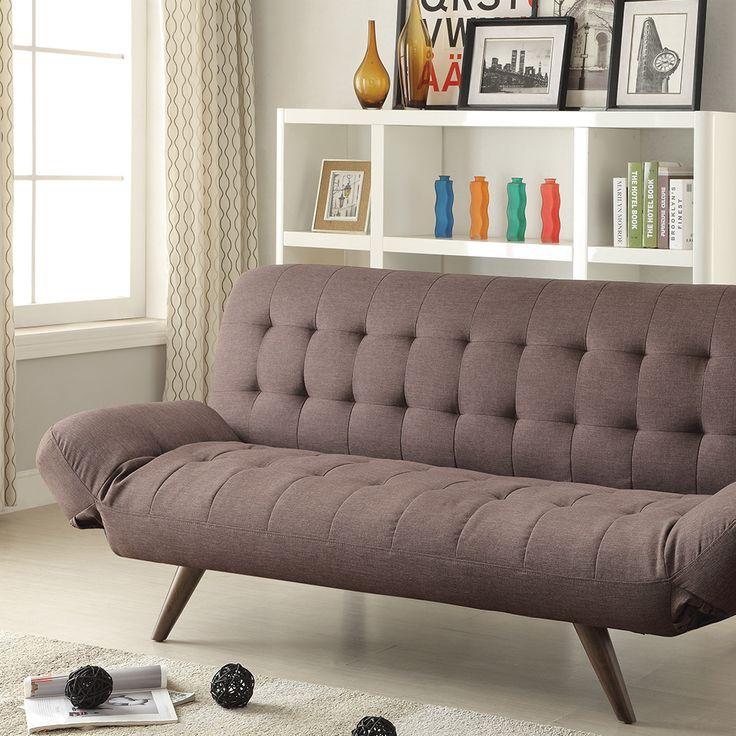 Structura rezistentă, îmbrăcată în stofă maro cu un model clasic, șezut confortabil și posibilitatea de a se transforma rapid într-un pat încăpător - toate aceste caracteristici sunt bifate fără probleme de canapeaua Cher. #mobexpert #living #canapele