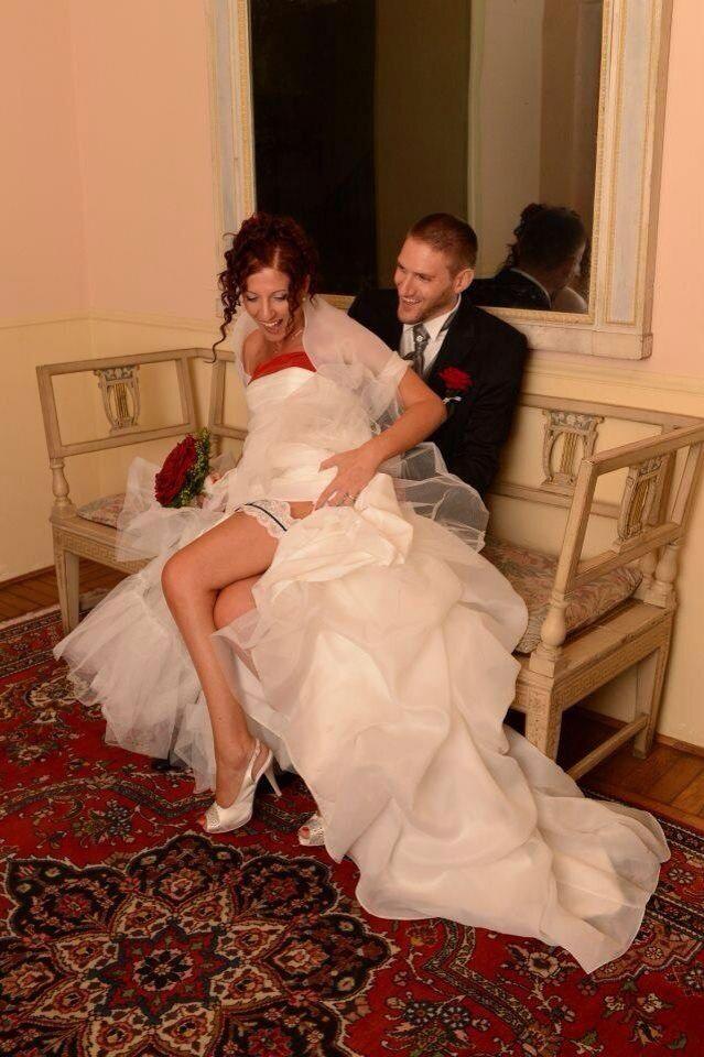 E se il colore del matrimonio fosse il rosso...cosa ne pensate di questi nostri bellissimi sposi? www.tosettisposa.it #wedding #weddingdress #tosetti #tosettisposa #nozze #bride #alessandrotosetti #carlopignatelli #domoadami #nicole #pronovias #alessandrarinaudo