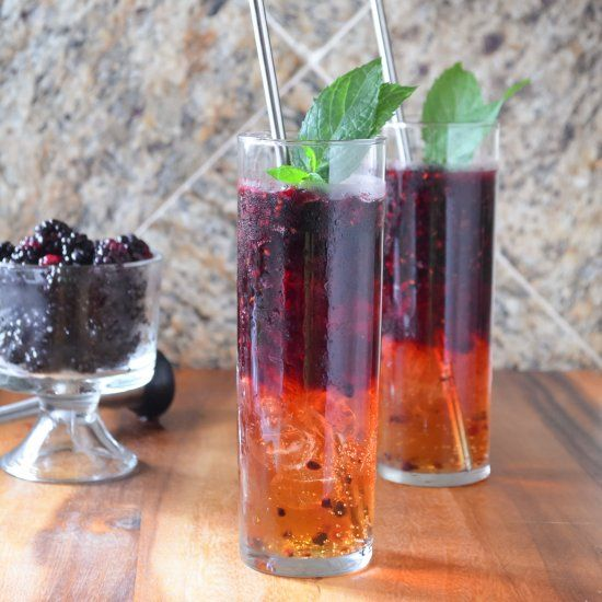 A guaranteed new favorite cocktail or mocktail! Blackberry Moscow Mules are easy to make and sure to impress.