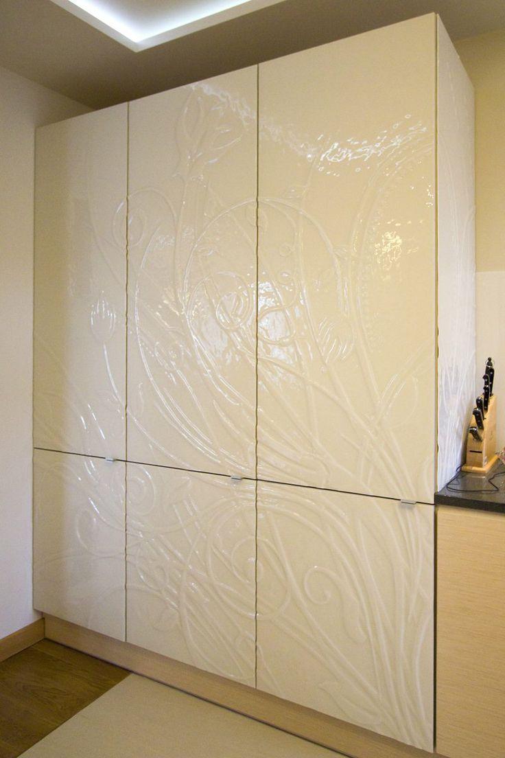 Szafa fusingowa malowana. Wardrobe. Fusing. Fused glass.  http://www.ceramikaiszklo.riwal.pl/ - fusing, szkło stapiane