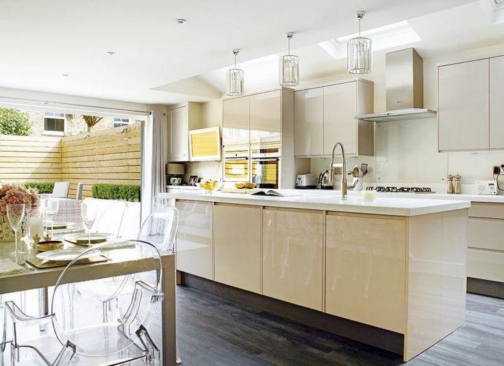 Neutral open plan kitchen with island unit