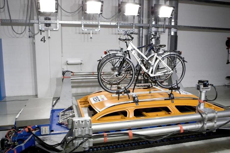 Mercedes-Benz Accessories GmbH: Zubehör - sicher durch die härtesten Tests der Welt
