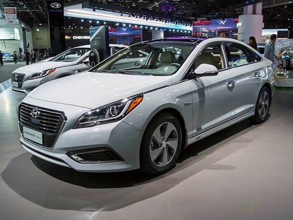 2016 Hyundai Sonata Hybrid Price and Review - http://2016newcars.info/2016-hyundai-sonata-hybrid-price-and-review/