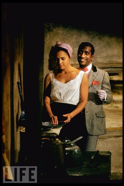 Bess (Dorthy Dandridge) and Sportin' Life (Sammy Davis, Jr) in Porgy and Bess
