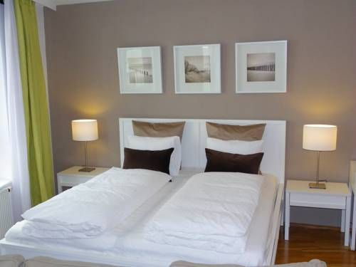 Apartment Tigergasse Wien Apartment Tigergasse is an apartment situated in Vienna, 1 km from Vienna City Hall. The property boasts views of the city and is 1.1 km from Parliament of Austria. Free WiFi is available. Public parking spaces are available nearby.