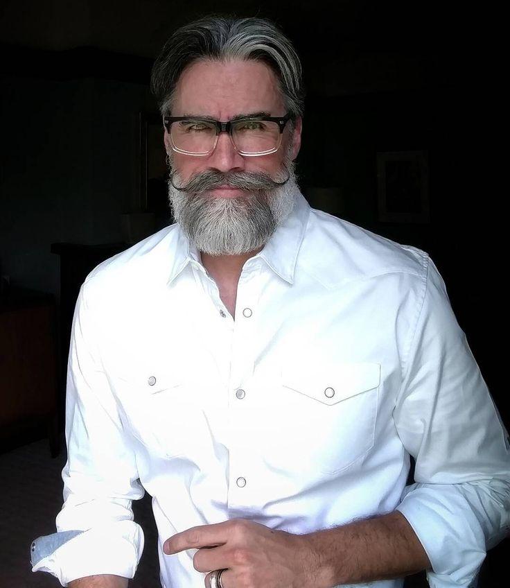 Beards And Mustaches: Best 25+ Handlebar Mustache Ideas On Pinterest