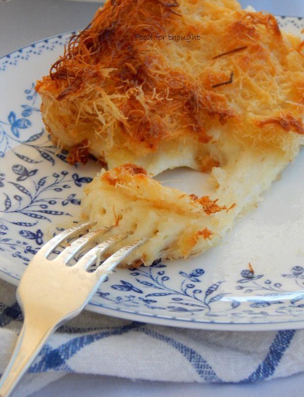 Είναι πολύ νόστιμη, μαστιχωτή και γλυκιά σε γεύση, λόγω των τυριών που περιέχει. Αρκεί βεβαίως να φαγωθεί φρέσκια, λίγο μετά το ψήσιμό της, ή να ξαναζεσταθεί αν την σερβίρουμε μετά από ώρες!