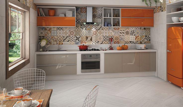 Мы собрали для вас 15 примеров, на которых фартук — главное украшение кухни.