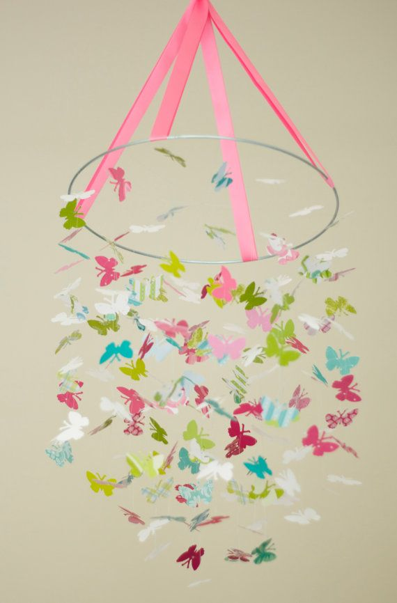 The Isabella Butterfly MobileGreat For Baby by littledreamersinc - AMAZING!!  Want this for my lil girls room!!  :)