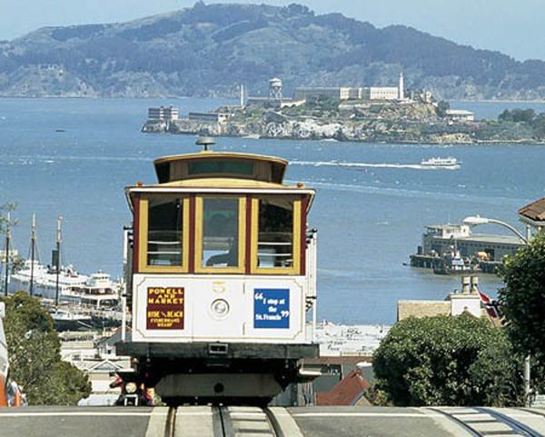 San Francisco cable car ~ Alcatraz on the horizon.: Francisco Cablecar, Cable Cars, Buckets Lists, Favorite Places, San Fransico, Sanfrancisco, Cars Riding, Tram; Trolley; Cablecar, San Francisco