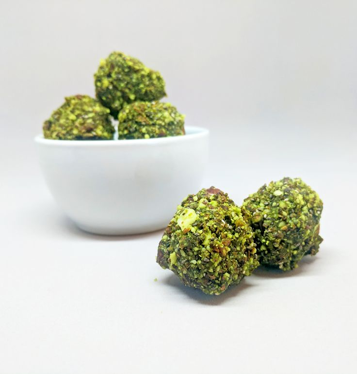 These little guys will give you that much needed energy boost to get you through to the weekend! 💚🍵  https://www.justmatcha.co.za/blogs/matchamonday/matcha-energy-balls  #matcha #justmatcha #matchalove #matchagreentea #matchaenergyballs #matchasouthafrica #southafrica #foodies #vegan #healthyfood #energy #matchaaddict #matchaholic