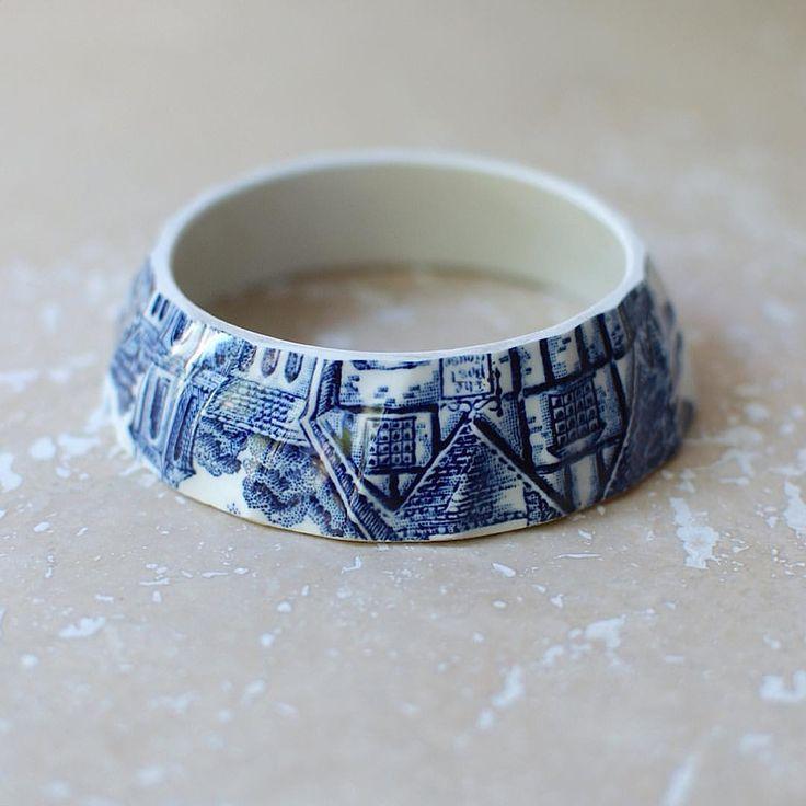 Wow! Only two of the vintage china blue 'Country Scene' teacup bracelets left in stock on the #staygoldmaryrose #etsy shop. #vintagechina #vintagechinajewellery #Anthropologie #teacup #upcycling #porcelain #ceramics #ceramiclife #craftsposure #handmadeisbetter #etsyuk #designsponge #wearethemakers #thatsdarling