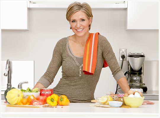 I love Tosca Reno. I love her Eat Clean cook books!! Saved my life.