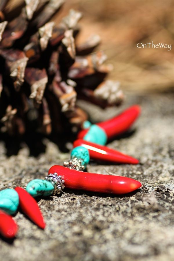 LanguWorld making jewellery. Stones and silver brought from Bali. Turquoise, Red Coral and Lapis Lazuli.