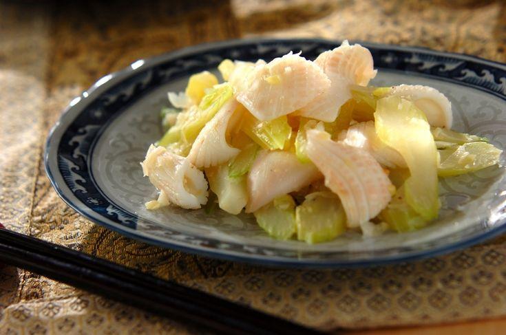 旬のヤリイカを使った炒め物です。イカとセロリの炒め物/松崎 えりのレシピ。[中華/炒めもの]2016.03.28公開のレシピです。