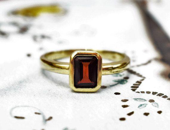 Vintage Modernist Ring 14K Yellow Gold by PrettyDifferentShop