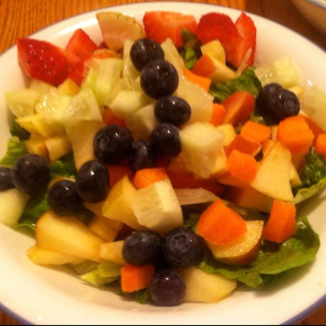 Fruit & veggie lean & green salad: Green Salad, Fruit, Side Salad, Pretty Yummy, Yummy Food, Veggies Lean, Tones, Veggie Lean, Home Made