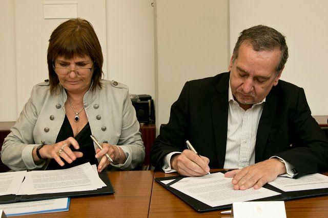 La CONAE y el Ministerio de Seguridad firmaron acuerdo de cooperación   Permitirá mejorar las capacidades del Estado en el control de fronteras y optimizar las herramientas de las fuerzas policiales y de seguridad.  La Comisión Nacional de Actividades Espaciales (CONAE) que depende del Ministerio de Ciencia Tecnología e Innovación Productiva (MINCYT) firmó un acuerdo de cooperación con el Ministerio de Seguridad (MINSEG) con el objetivo de mejorar la vigilancia y el control de las fronteras…