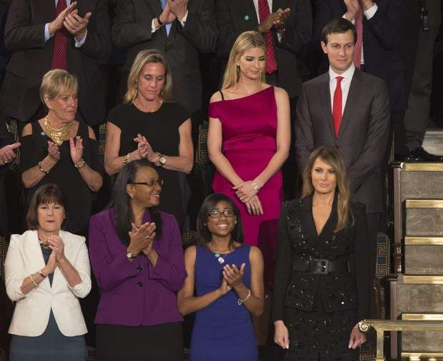 Melania et Ivanka ont assisté au premier discours devant le congrès de Donald Trump United States First Lady Melania Trump (bottom right) is applauded as she arrives at an address by President Donald J. Trump to a joint session of Congress on Capitol Hill in Washington, DC, February 28, 2017. Also pictured at upper right is Ivanka Trump and Jared Kushner. Credit: Chris Kleponis / CNP Photo via Newscom/cnpphotos068247/1703010617
