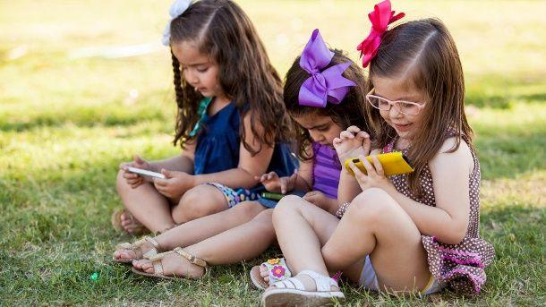 #Wie Smartphones Kinder krank machen - t-online.de: t-online.de Wie Smartphones Kinder krank machen t-online.de Konzentrationsprobleme,…