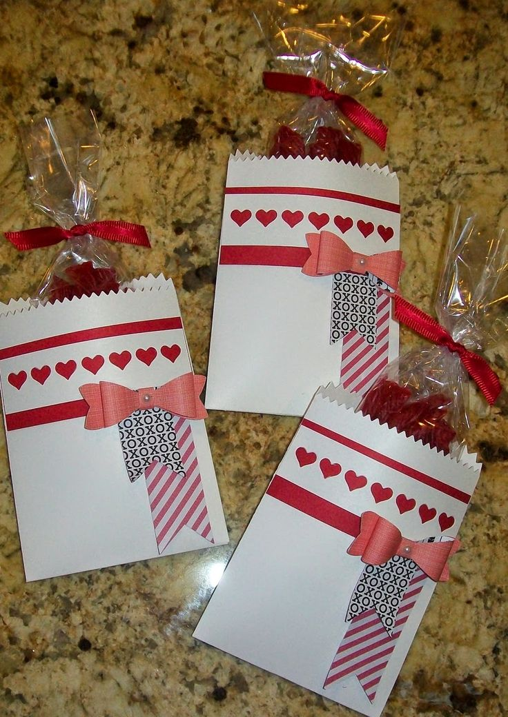 Saturday, January 17, 2015 CSL: Stampin' up! Mini Treat Thinlit, Stacked With Love DSP Stack, Bow Builder Punch