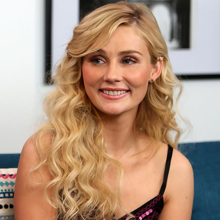 Clare Bowen Talks Working With Connie Britton | POPSUGAR Celebrity