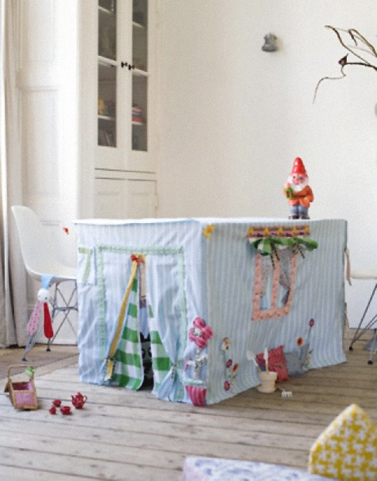 Easy diy tablecloth dining table playhouse fabric tent for Table th bottom