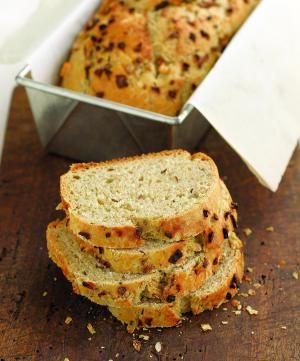 Junior's of New York authentic onion rye bread recipe.: Junior's Club Rye Onion Loaf