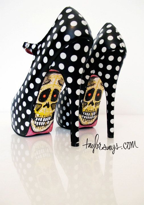 two of my favorite things- black and white polka dots and skellies!
