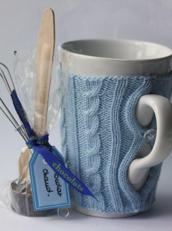 J23 : Cadeau gourmand fait maison - kit pour chocolat chaud et mug dans sa petite laine