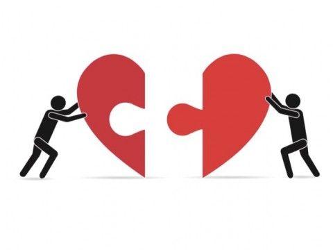 """Steven Van Herreweghe zal de eerste niet zijn die een lange relatie verbreekt en na een omweg terugkeert naar zijn oude liefde. Volgens relatiedeskundige Rika Ponnet komt het vaker voor dat koppels elkaar een tweede keer terugvinden. """"Als de gevoelens en de verbondenheid er zijn, is er altijd hoop. Maar het gaat niet vanzelf"""". Artikel van Tinnie Brant voor Het Nieuwsblad."""