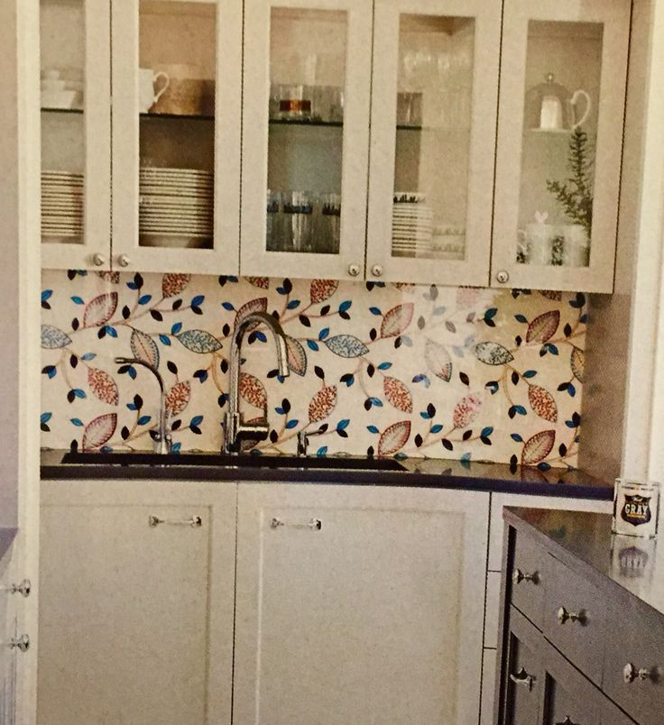 wallpaper with plexiglass as backsplash