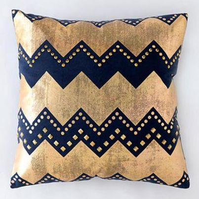 Navy and gold chevron pillow http://rstyle.me/n/ku672nyg6