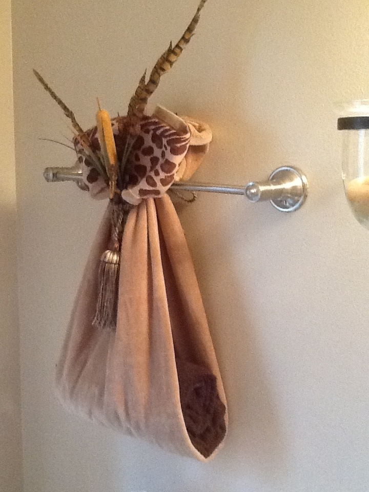 Hanging Decorative Towels In Bathroom. Nice Way To Display Towels In Guest Bath