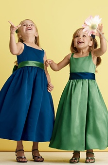264 best images about SEWING ( FLOWER GIRL DRESS ) on Pinterest ...